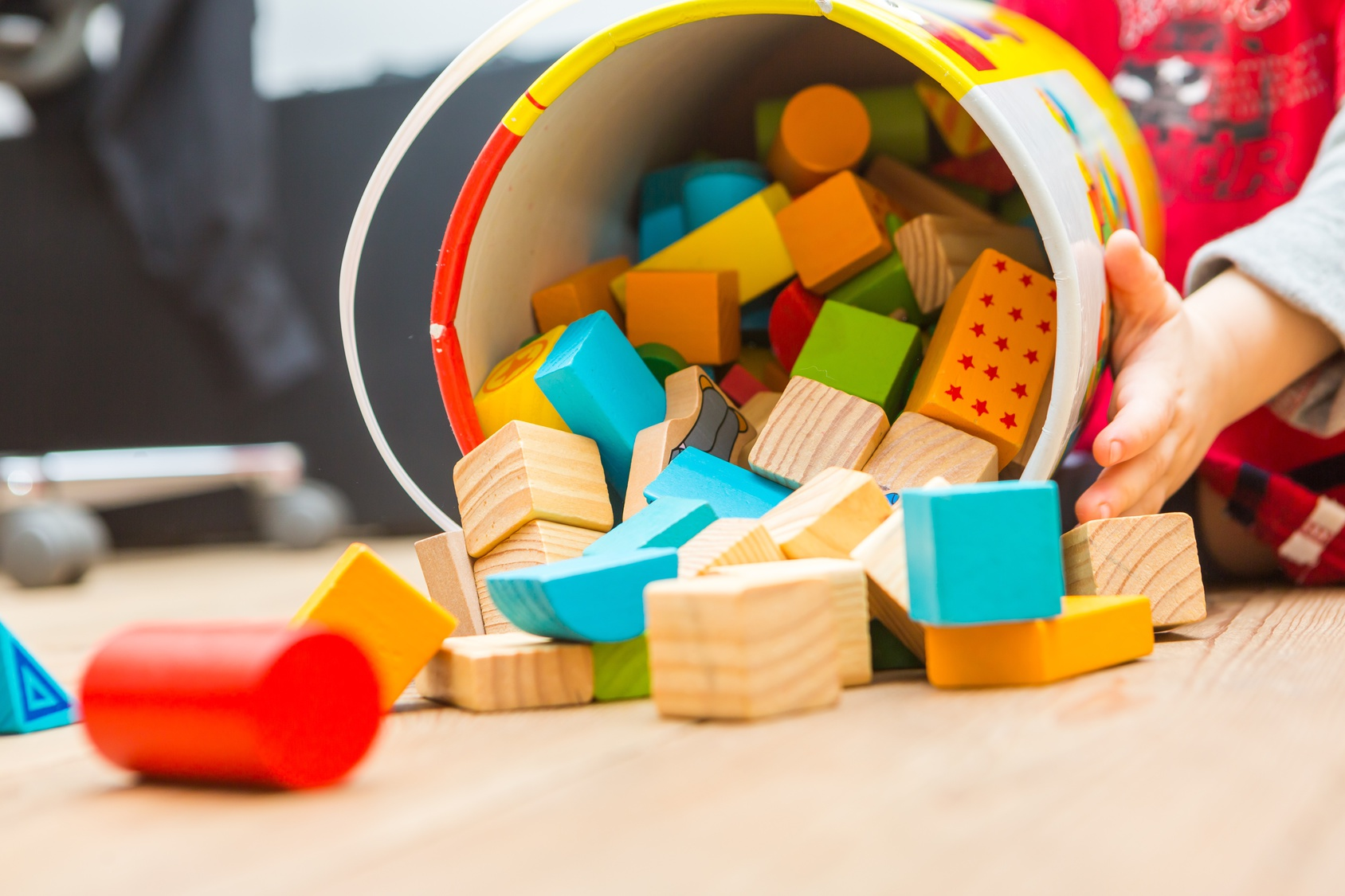 «Les p'tits bouts – astuce 1» </br><b>Les bonnes idées de Béa et Zina à faire avec les enfants de 1 à 3 ans</b>